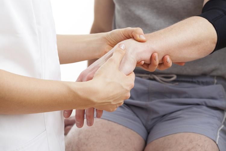 Как разработать руку после перелома локтевой кости. Упражнения для разработки локтевого сустава после перелома