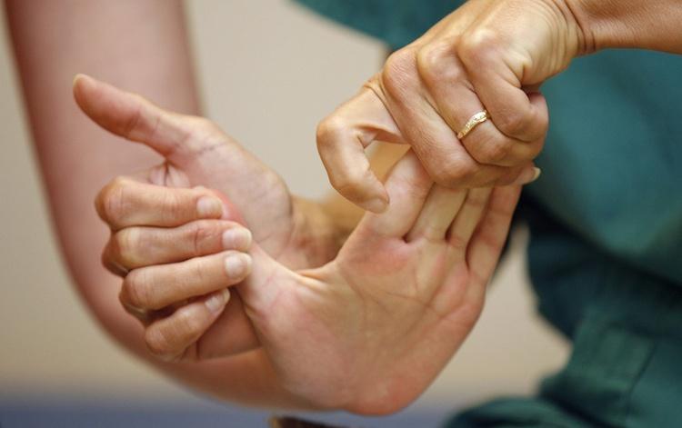 Упражнения для разработки лучезапястного сустава после перелома