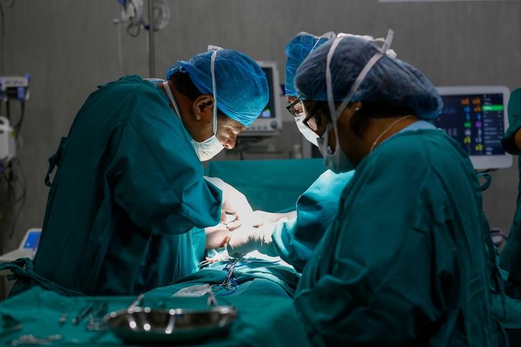 Операция у ребенка по удалению пупочной грыжи у